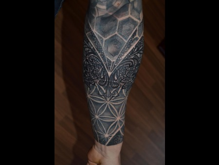 Blackwork Dotwork Blac And Grey  Mandala Forearm
