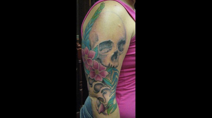 Skull  Flowers Arm