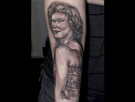 Portrait Horror Woman Realistic Black&Gray Arm