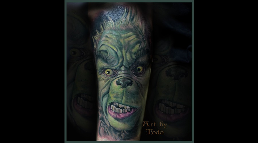 Portrait Grinch Arm