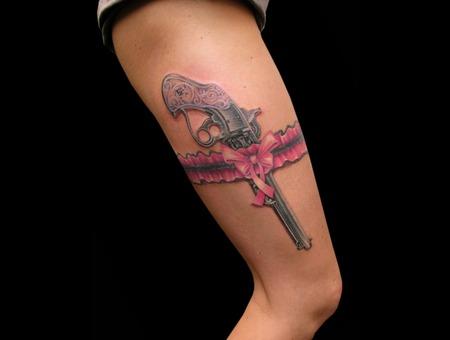 Missnico  Nico  Tattoo  Allstyle  Revolver  Pistol  Garter  Strumpfband Thigh