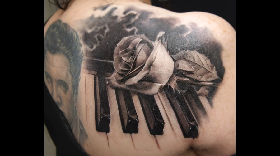 Piano  Rose Shoulder