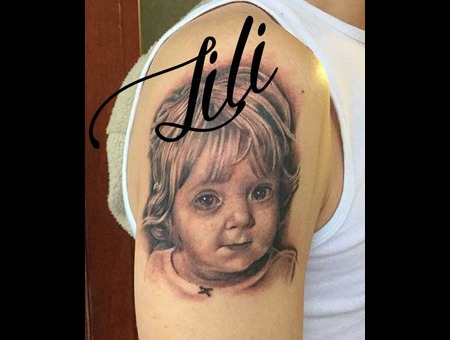 Realism  Photo  Child  Girl  Kid  Portrait  Arm  Black And Grey  Arm