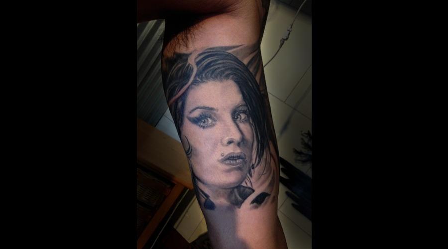 Amy Whine House  Tattoo  Black  Portrait  Hawaii Arm