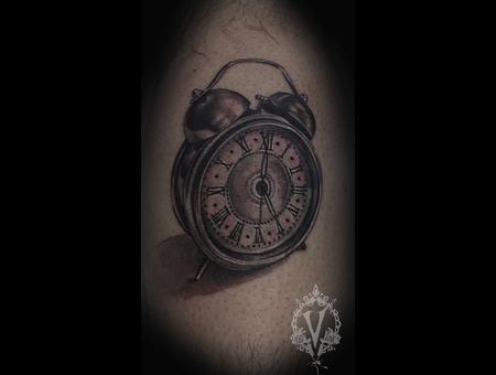 Clock Alarm  3 D Lower Leg