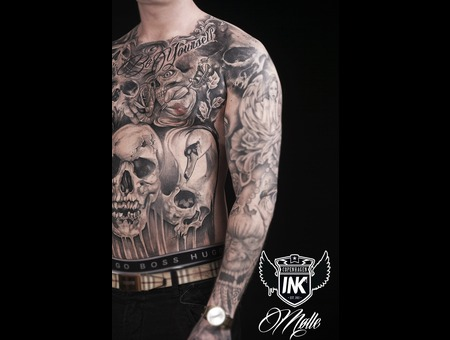 Skull  Front  Evil  Horror Black Grey Chest