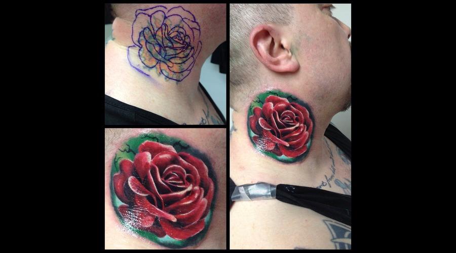 Toroktattoo Rose Neck