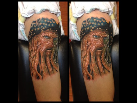 Toroktattoo Davy Jones Shoulder