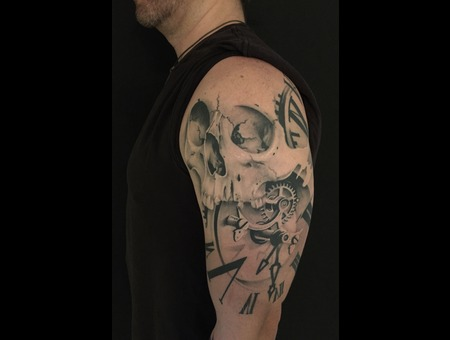 Skull  Skull Tattoo  Clock Tattoo  Realism  Trash Polka  Balck & Grey