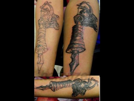 Herbuzer's Tattoo Machine  Black White