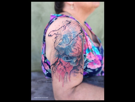 Abstract  Ink  Spash  Bird  Skull  Sugar Skull Shoulder