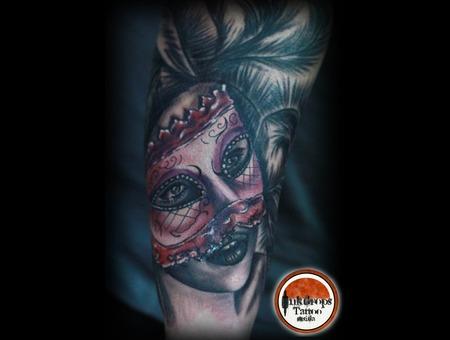 Color   Black N Grey  Venice   Mask   Arm