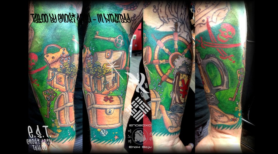 Pirate Sleeve Color Arm