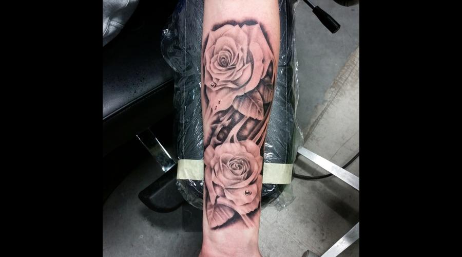 Rose  Roses Forearm