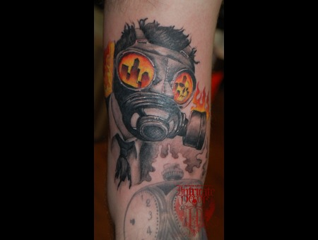 Gasmask Apocolypse Suit Destruction Burn Arm