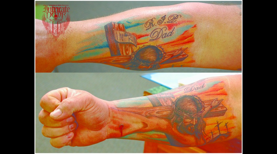 Crucifix Trick Jesus Memorial Opticalillusion Illusion Forearm