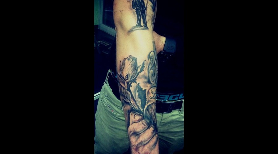 #Ledjaqereshniku#Rose#Hand#Realistic# Forearm