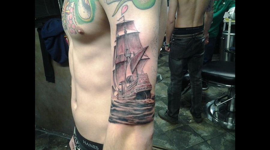 Ship  Waves Arm