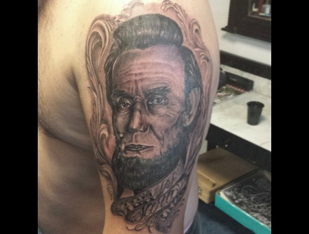 Portrait Realism Lincoln  Arm