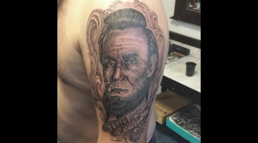Portrait Realism Lincoln  Arm