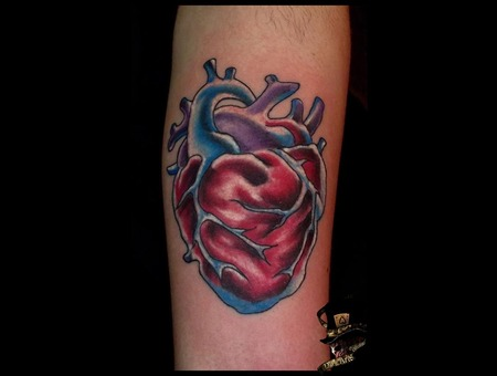 Oldschoo L Heart  Color  Forearm