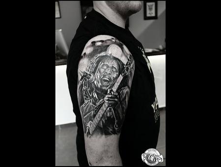 Bob Marley  Portrait  Graywash   Shoulder