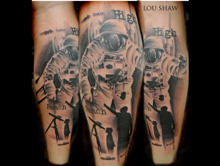 Astronaut  Trash Polka  Portrait  Writing  Silhouette Lower Leg