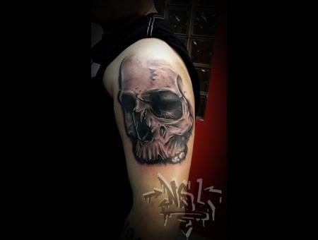 Skull Realistic Arm