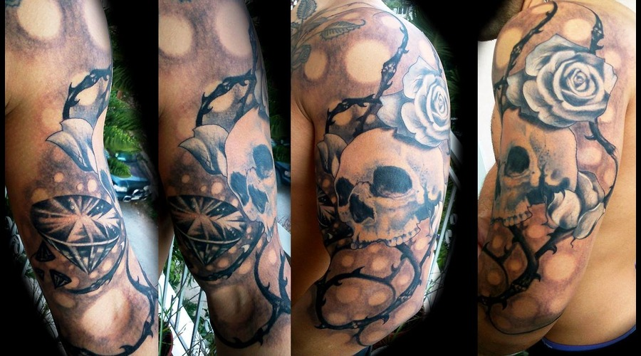 Skull  Diamond  Roses Arm