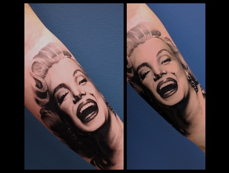 Marylin Monroe Arm