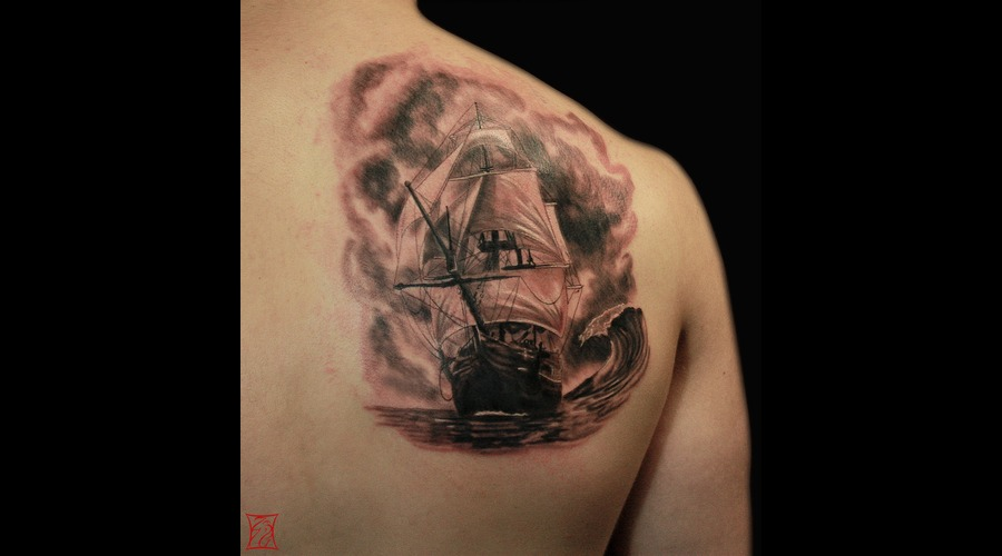 Tattooartist Montreal Gabor Zsil Shoulder