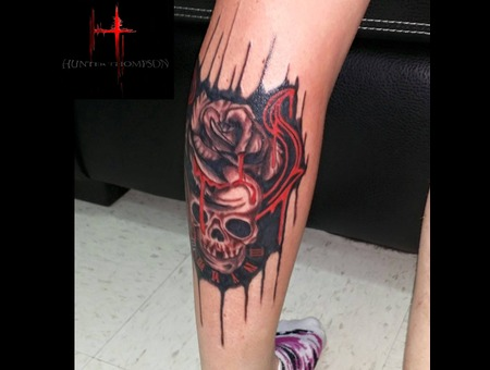 Skull  Rose  Clock  Filigree Lower Leg