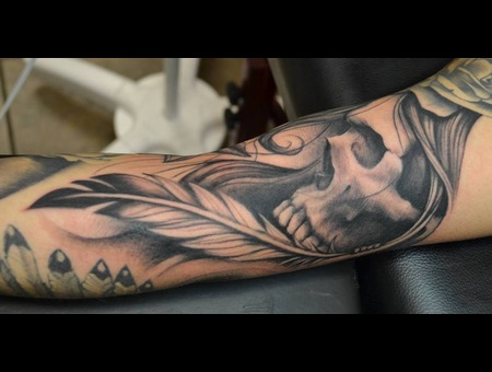 Freehand  Realism  Skull  Hair  Feather  Ditch  Black Only Arm