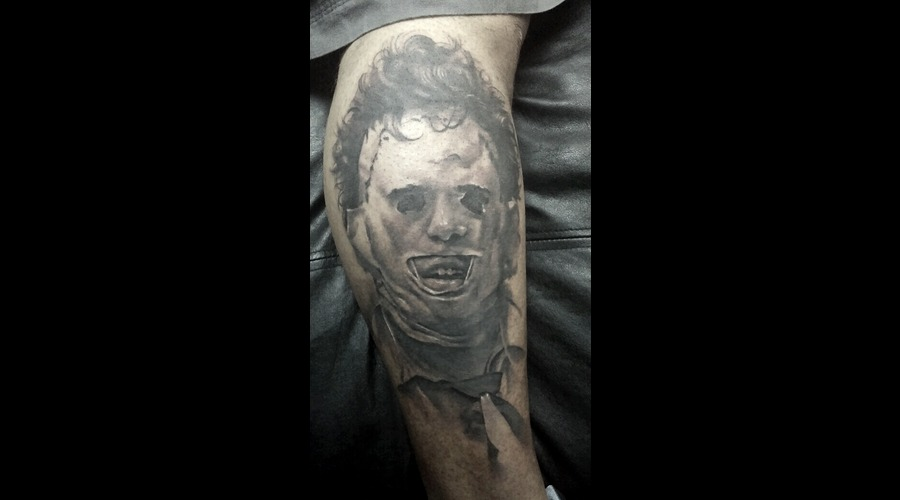 Black And Grey  Realistic   Horror  Portrait Lower Leg
