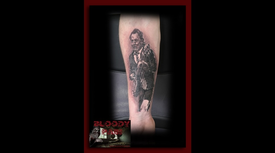 Angus Young  Acdc  Portrait Arm