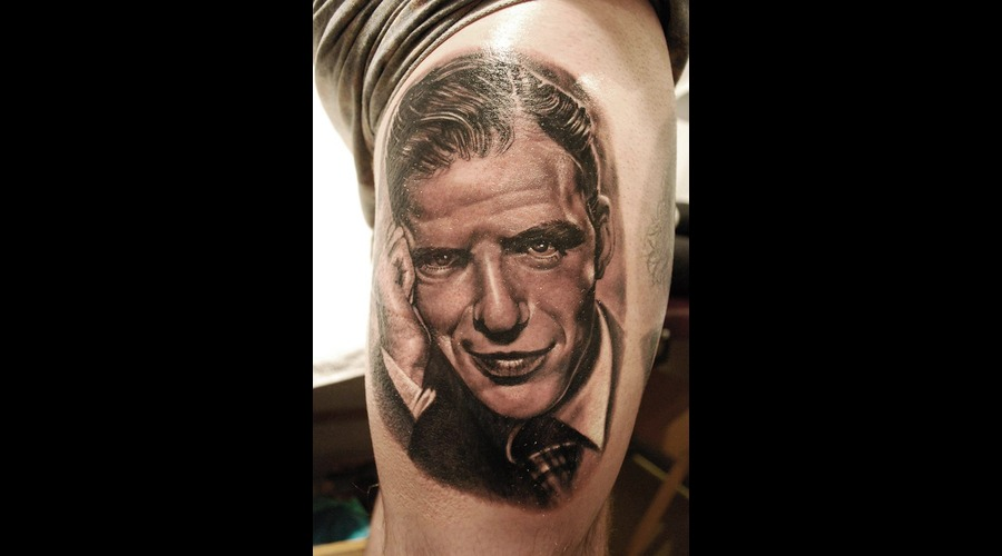 Portrait Realistic Black And Grey Frank Sinatra Thigh