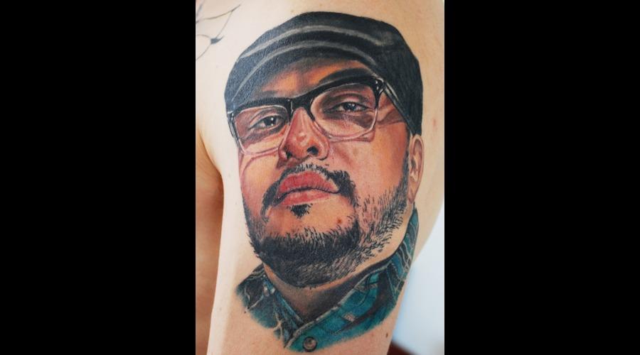 Colour Portrait Realistic Nikko Hurtado Arm