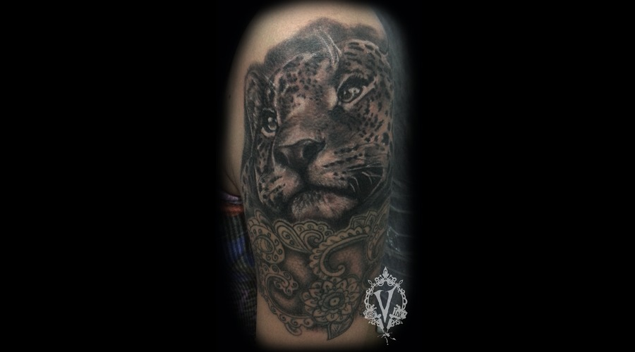 Leopard Arm