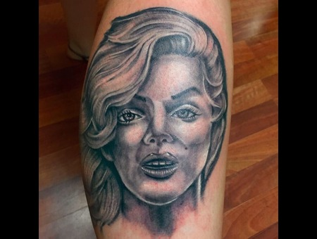 Marilyn  Monroe  Portrait Lower Leg