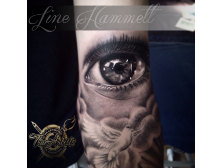 Eye  Realistic  Arm