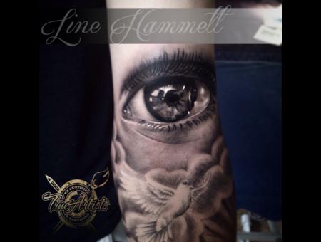 Eye  Realistic  Arm
