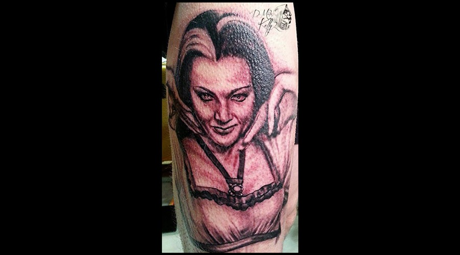 Lily Munster  Yvonne De Carlo Munsters Horror Portrait Realism Pittsburgh Thigh