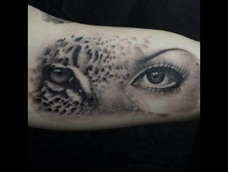 Eyes Arm