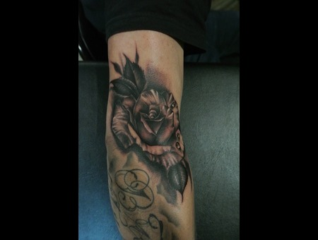 Black And Grey  Rose Arm