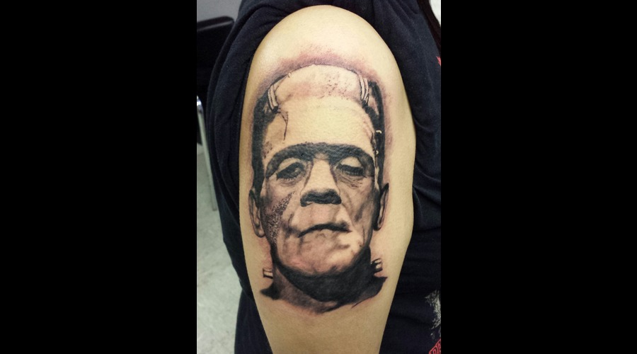 Portrait  Horror  Frankenstein Arm