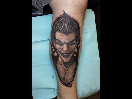 Joker  Portrait Lower Leg