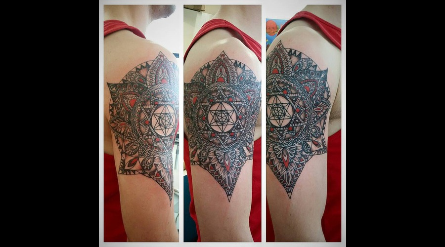 Mandala Shoulder