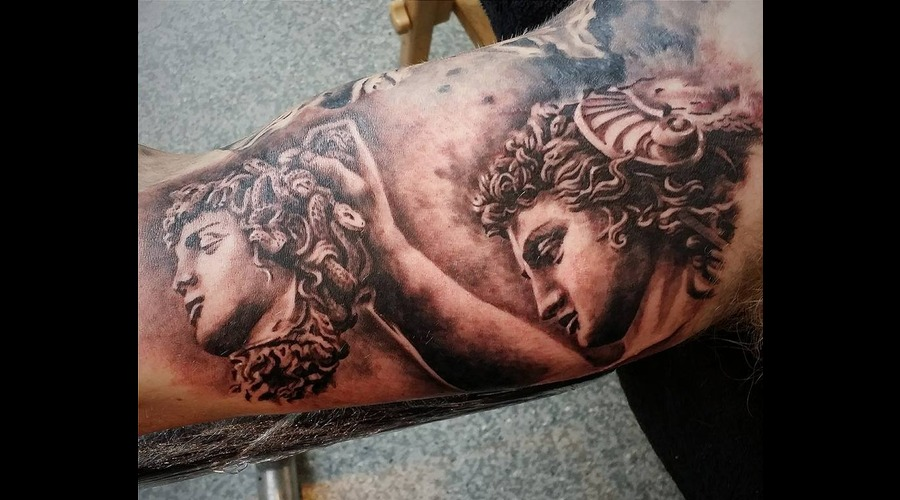 Statue Perseus Realisim Arm