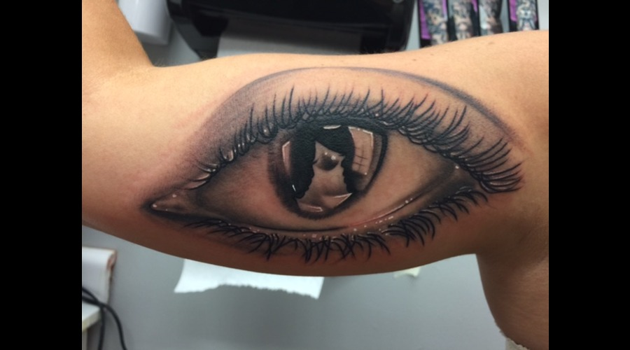 Eye  Realism  Black And Grey  Reflection  Kids Reflection  Eyeball Arm