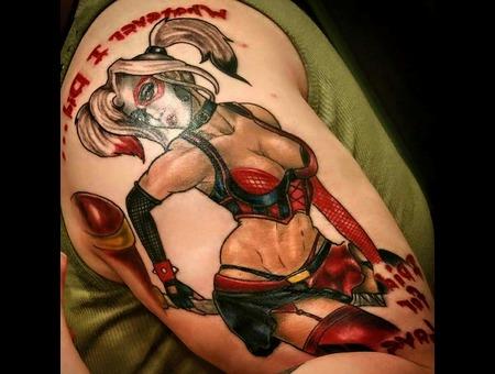 Harley Quinn Pin Up Arm